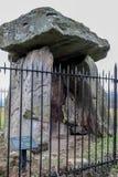 Resti neolitico di una camera di sepoltura della carriola lunga Fotografia Stock Libera da Diritti
