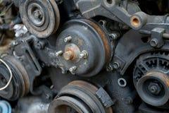 Restmetall från bilmotorn Arkivbild