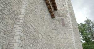 Restna av en medeltida slott i betalda Estland FS700 4K RÅ Odyssey 7Q lager videofilmer