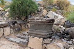 Restna av kolonnen i fördärvar av greken - romersk stad av det 3rd århundradet F. KR. - den 8th århundradeANNONSEN Hippus - Susit Arkivfoto