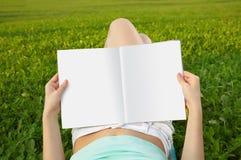 Resto con lettura Fotografia Stock Libera da Diritti