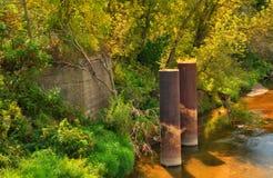 Resto da ponte velha da estrada de ferro fotografia de stock royalty free