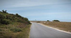 Resto de um sem?foro em Pointe du Mas na ilha de Yeu foto de stock