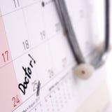 Resto di appuntamento di medico sul calendario Fotografia Stock Libera da Diritti