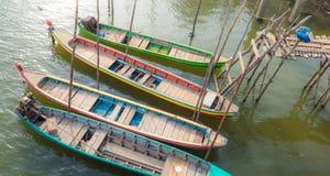 Resto dos barcos no riverbank Fotos de Stock Royalty Free