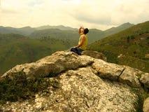 Resto en la roca Foto de archivo libre de regalías