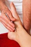 Resto y relajación con masaje Fotografía de archivo libre de regalías
