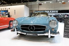 Restorated door Brabus Mercedes-Benz 300SL auto is bij de de Motorshow 2017 van Doubai Royalty-vrije Stock Foto's