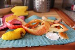 Restos de fruta pelada Fotografía de archivo libre de regalías