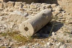 Restos de la columna en las ruinas de la ciudad antigua Foto de archivo