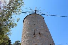 Restos de un molino de viento Imágenes de archivo libres de regalías