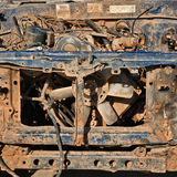 Restos del frente del coche viejo. Imagen de archivo