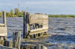 Restos del muelle de transbordador de la isla de Hecla Imagen de archivo libre de regalías