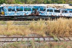 Restos del tren estrellado o dañado tomado de yarda del tren Fotografía de archivo libre de regalías
