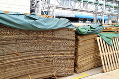 Restpapper från fabrik Arkivbilder