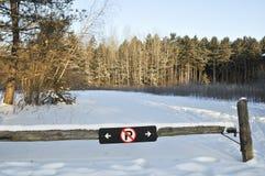 Restricción del estacionamiento del invierno Imagen de archivo libre de regalías