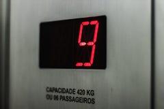 Restriction de capacité, de plancher et de poids d'ascenseur Photos libres de droits