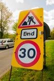 Restrizione temporanea di velocità dei lavori stradali Fotografia Stock