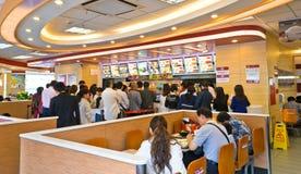 Resturant Innenraum des Fastfoods Lizenzfreie Stockbilder