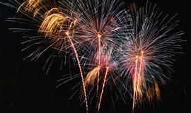 Resuma el fondo coloreado del fuego artificial usado por el Año Nuevo f de la capa Fotografía de archivo