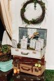Resväska med inbjudan Royaltyfri Foto