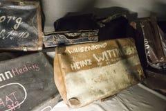 Resväskajudar till Auschwitz Royaltyfria Bilder