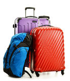 Resväskor och ryggsäckar på vit Royaltyfri Bild