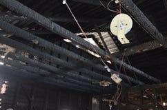 Resztki ?ciana po katastroficzego domu ogienia ? zdjęcie royalty free