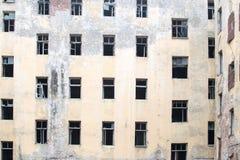 Resztki ściana rujnujący dom zdjęcie stock