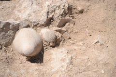 Resztki stary gliniany garnek odkrywający w archeologicznej ekskawacji w Judaean Shefela terenie Izrael, Khirbet el zdjęcie stock