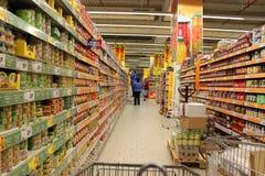 Retail labor in supermarket Stock Photo