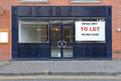 Retail To Let. Vacant Retail Shop to Let in London stock photos