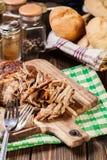 Retarde o ombro de carne de porco puxado cozinhado foto de stock royalty free