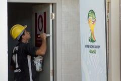 Retardez dans les travaux de la coupe du monde de la FIFA Brésil 2014 Photo libre de droits