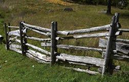 Rete fissa di legno per gli animali Immagine Stock Libera da Diritti