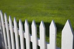 Rete fissa di picchetto bianca Fotografie Stock