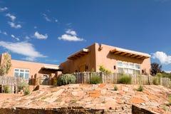 Rete fissa domestica Santa Fe nanometro S.U.A. del Palisade del Adobe di missione immagini stock libere da diritti