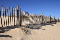Rete fissa sulla duna di sabbia Fotografia Stock Libera da Diritti