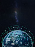 Rete globale su terra -- Elementi di questa immagine ammobiliati dalla NASA Fotografia Stock Libera da Diritti