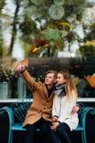 Rete sociale romantica di stile di vita della data di Selfie fotografie stock libere da diritti