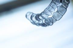 Retentores dentais invisíveis das cintas dos alinhadores dos suportes dos dentes imagens de stock