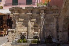 Rethymno, Grèce 26 juillet 2016 : La fontaine de Rimondi Images libres de droits