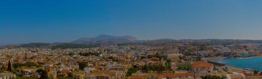 Rethymno, Grecia - 30 de julio de 2016: Vista panorámica a Rethymno franco fotos de archivo