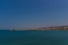 Rethymno Grekland - Juli 30, 2016: Panoramautsikt till Rethymno f Arkivfoto