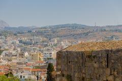 Rethymno Grekland - Juli 30, 2016: Panoramautsikt till Rethymno fr Arkivfoto