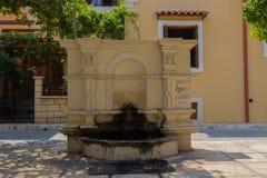 Rethymno, Griechenland - 2. August 2016: Der alte Brunnen Lizenzfreies Stockbild