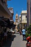 Rethymno, Griechenland 27. Juli 2016: Schmale Straßen von Rethymno Lizenzfreies Stockfoto