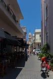 Rethymno, Griechenland 27. Juli 2016: Schmale Straßen von Rethymno Lizenzfreies Stockbild