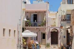 Rethymno, Griekenland 26 juli 2016: Koffie op het winkelen straat Royalty-vrije Stock Foto's
