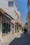 Rethymno, Griekenland 28 juli, 2016: Smalle Venetiaanse straten in Oude stad van Rethymno Royalty-vrije Stock Foto's